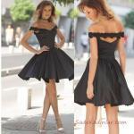 2019 Abiye Elbise Modelleri Siyah Saten Kısa Geniş V Yaka Kloş Etekli