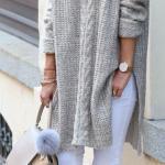 2020 Bayan Kış Kombinleri Beyaz Yırtık Pantolon Gri V Yakalı Yandan Yırtmaçlı Desenli KAzak