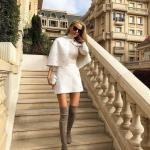 2019 Kışlık Etek Kombinleri Beyaz Kısa Etek Beyaz Boğazlı Kazak Beyaz Pelerin