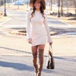 2019 Kışlık Kısa Elbise Modelleri Krem Kısa Yarım Balıkçı Yaka İspanyol Kol Detaylı