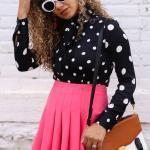 2019 Moda Renkleri Pembe Kısa Pileli Etek Siyah Puantiyeli Gömlek