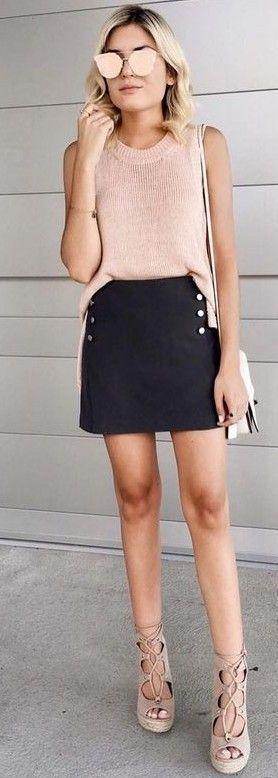 2019 Moda Renkleri Pembe Kolsuz Bluz Siyah Mini Etek