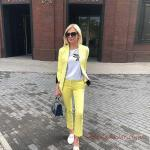 2020 Ofis Kombinleri Sarı Cep Detaylı Pantolon Beyaz Tişört Kısa Ceket