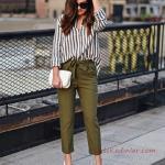 2019 Ofis Şıklığı İçin Yeşil Capri Pantolon ve Beyaz Çizgili Salaş Gömlek