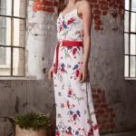 2019 Çiçek Desenli Elbise Modelleri Beyaz Uzun Askılı V Yakalı Kumaş Kemerli