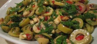 Kahvaltı Sofralarınız İçin Enfes Zeytin Salatası Tarifi