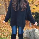 Siyah Boğazlı Kazak Kombinleri; Lacivert Kot Pantolon Siyah Boğazlı Salaş Kazak