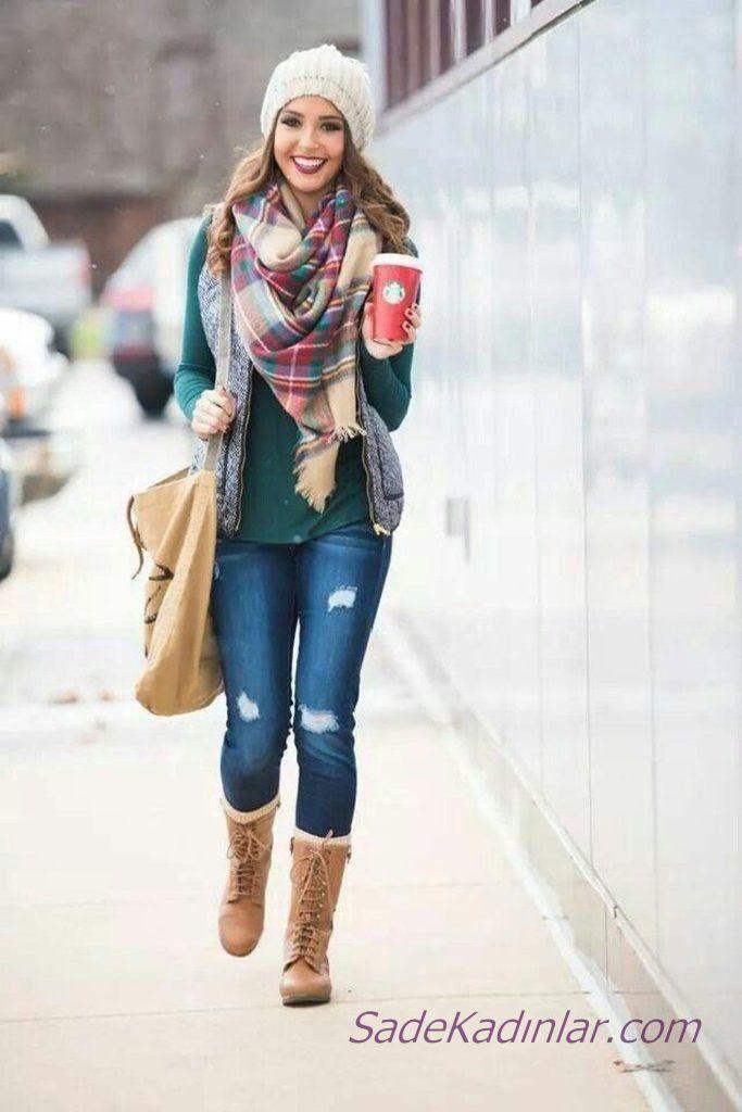Yeşilin Tonlarından Oluşan 2021 Kış Kombinleri Mavi Kot Pantolon Yeşil Kazak Gri Yelek