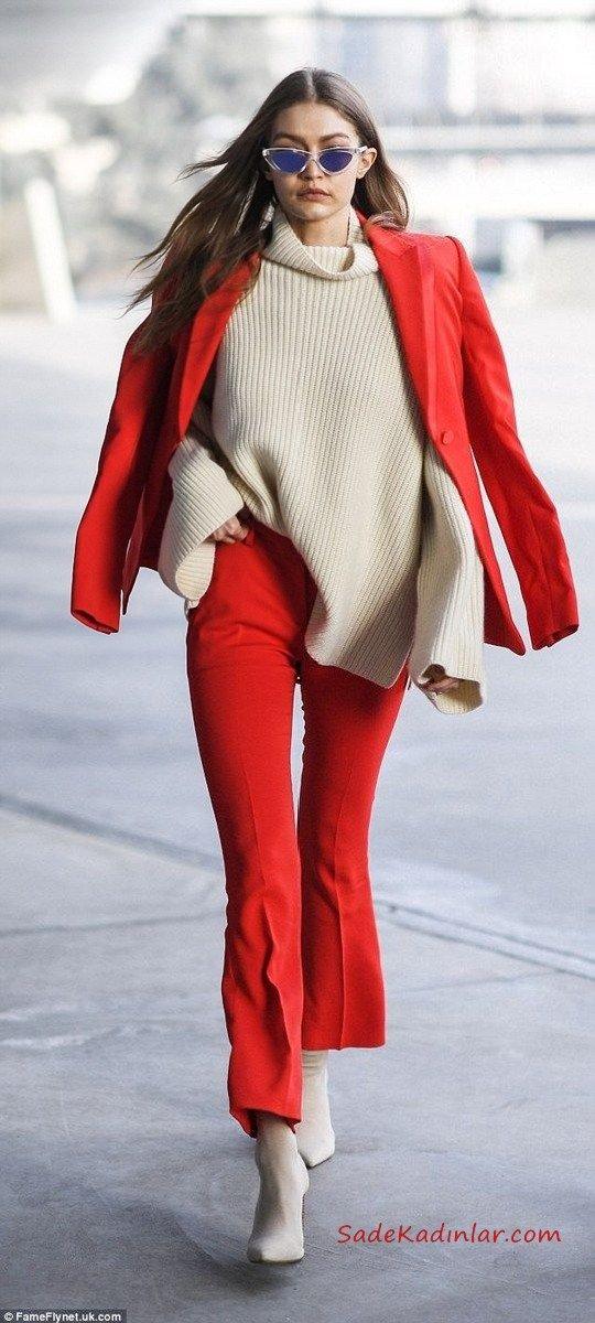2021 Sonbahar Kış Moda Trendleri ve Moda Renkleri - Kırmızı İspanyol Paça Pantolon Krem Boğazlı Salaş Kazak Kırmızı Kısa Ceket