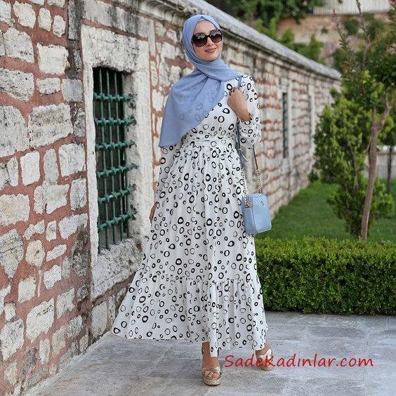 2019 Tesettür Elbise Modelleri Beyaz Uzun Etek Kısmı Fırfırlı Küçük Desenli Kloş Etekli