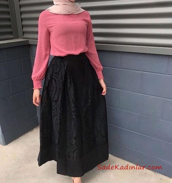 2021 Tesettür Etek Kombinleri Siyah Uzun Kloş Desenli Etek Pembe Desenli Bluz