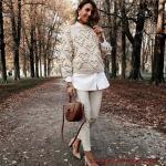 2019/2020 Sonbahar Kış Bayan Kombin Önerileri Krem Skinny Pantolon Beyaz Gömlek Krem Örgü Kazak
