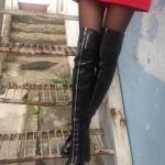 2019 Uzun Çizme Modelleri Siyah Kalın Topuklu Önden Fermuar Detaylı