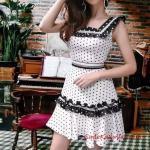2020 Puantiyeli Elbise Modelleri Beyaz Kısa Kalın Askılı Kloş Etekli