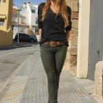 2021 Sonbahar Kış Moda Trendleri Yeşil Skinny PAntolon Siyah V Yakalı Düğmeli Bluz