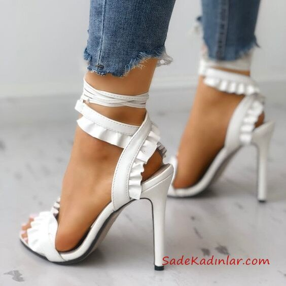 Yüksek Topuklu Ayakkabı Modelleri Beyaz Bantlı Fırfırlı Bilekten Bağcıklı