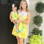 2019 Anne Kız Elbise Modelleri Sarı Kısa Kolsuz Desenli Dantel