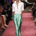 2019 Moda Trendleri Yeşil Saten Bol Kesim Cepli Pantolon Beyaz Gömlek