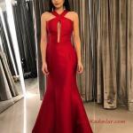 2019 Saten Elbise Modelleri Kırmızı Uzun Balık Çapraz Bantlı Yaka Dekolteli
