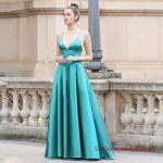 2019 Saten Elbise Modelleri Yeşil Uzun İp Askılı Kloş Etekli