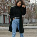 2019 Mom Jean Kombinleri Mavi Mom Jeans Siyah Boğazlı Kazak Siyah Kaşe Kaban Ankle Bot