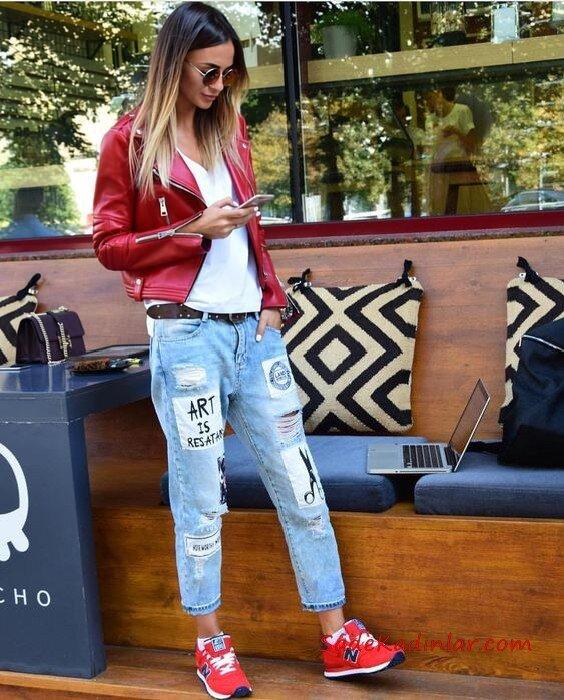2019 Deri Ceket Kombinleri Mavi Yırtık Düşük Bel Kot Pantolon Beyaz Tişört Kırmızı Kısa Deri Ceket Kırmızı Spor Ayakkabı