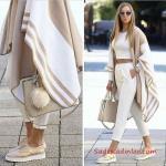 Pantolon Kombinleri Sarı Desenli Kalem Pantolon Beyaz Askılı Bluz Pembe Stiletto Topuklu Ayakkabı
