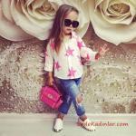3-4 Yaş Kız Çocuk Kıyafet Kombinleri Mavi Yüksel Bel Yırtık Kot Pantolon Krem Desenli Gömlek Beyaz Babet Ayakkabı