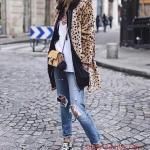 2019 Leopar Desenli Kaban Kombinleri Mavi Yırtık Ko tPantolon Beyaz Bluz Leopar Desenli Mont Siyah Spor Ayakkabı