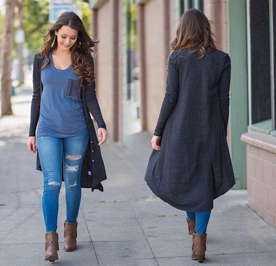 2022 Sonbahar Kış Günlük Sokak Kombinleri Mavi Yırtık Skinny Kot Pantolon Lacivert Bluz Siyah Uzun Hırka Kahverengi Topuklu Bot