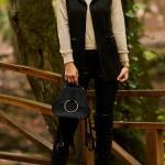 2019 Uzun Yelek Kombinleri Siyah Skinny Pantolon Krem Balıkçı Yaka Kazak Siyah Yelek Siyah Uzun Çizme