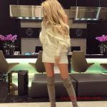 2021 Uzun Çizme Kombinleri Gri Uzun Nubuk Çizme Krem Kısa Omzu Açık Triko Elbise
