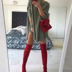 2021 Uzun Çizme Kombinleri Kırmızı Uzun Çizme Yeşil Kısa Salaş Kayık Yaka Triko Elbise