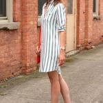 2020 Yazı İçin Muhteşem Gömlek Elbise Kombinleri Beyaz Uzun Kol Çizgili Gömlek Kahverengi Topuklu Ayakkabı