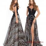 2019 Abiye Modelleri Siyah Uzun Kolsuz Dantel Yaka Desenli Derin Yırtmaçlı