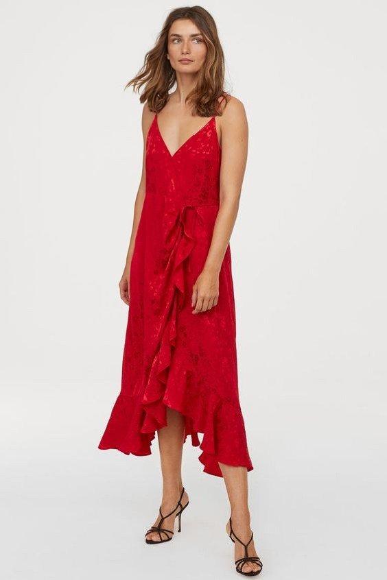 2019 Hm Elbise Modelleri Kırmızı Uzun İp Askılı V Yaka Fırfır Detaylı