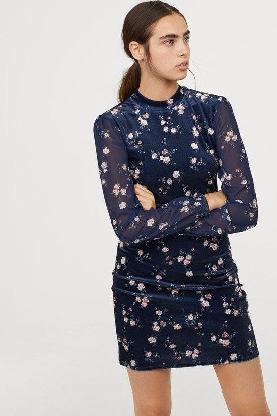 2019 Hm Elbise Modelleri Lacivert Kadife Kısa Uzun Kol Çiçek Desenli