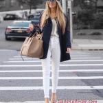 2021 Şık Kombinler Beyaz Skinny Pantolon Krem Bluz Lacivert Uzun Ceket Vizon Topuklu Ayakkabı