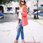 2021 Şık Kombinler Mavi Yırtık Pantolon Beyaz Bluz Somon Uzun Salaş Hırka Vizon Topuklu Ayakkabı