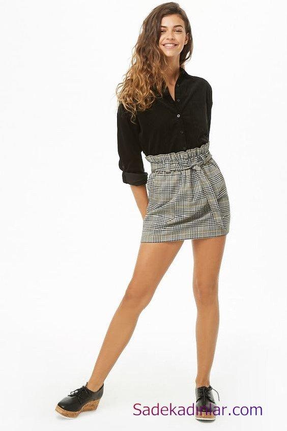 Siyah Gömlek Kombinleri Bayan Gri Kısa Ekose Desenli Kumaş Etek Siyah Uzun Kol Gömlek Siyah Rugan Ayakkabı