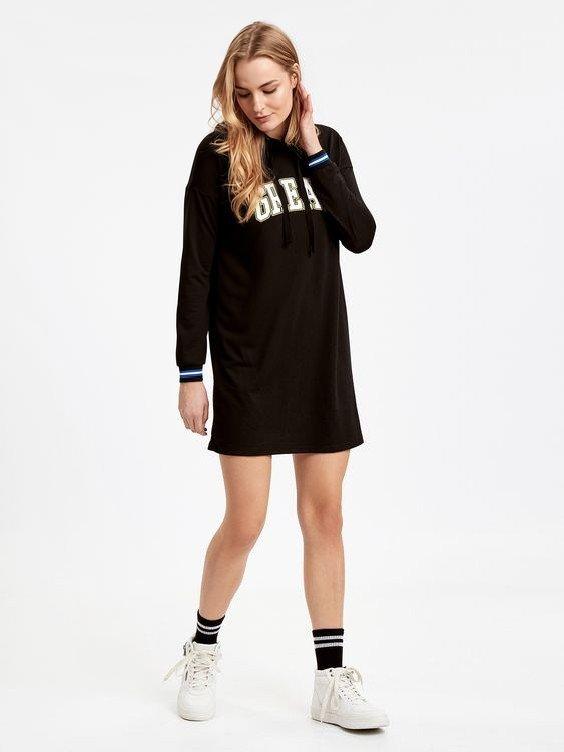 lcw Bayan Elbise Modelleri Siyah Kısa Uzun Kol Kazak Elbise Beyaz Spor Ayakkabı