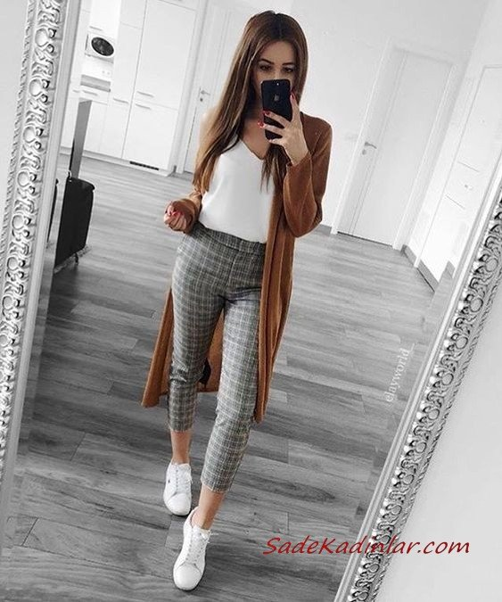 2019 Gri Pantolon Kombinleri Gri Ekose Desenli Kalem Pantolon Beyaz Bluz Kahverengi Uzun Hırka Beyaz Spor Ayakkabı