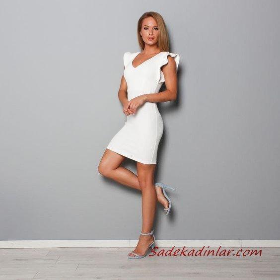 2021 Şık Bayan Kıyafet Kombinleri Beyaz Kısa Kolsuz V Yaka Fırfır Detaylı Elbise Gri Stiletto Ayakkabı