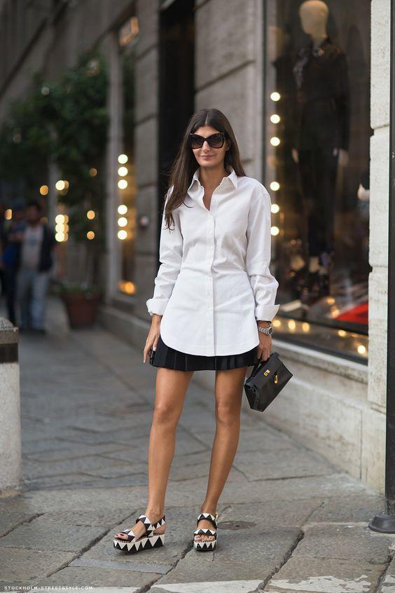 Mini Siyah Kloş Etek Beyaz Gömlek Kombini