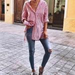 2020 Günlük Jean Kombinleri Mavi Yırtık Jean Kırmızı Uzun Kol Çizgili Salaş Tunik Gömlek Gri Spor Ayakkabı