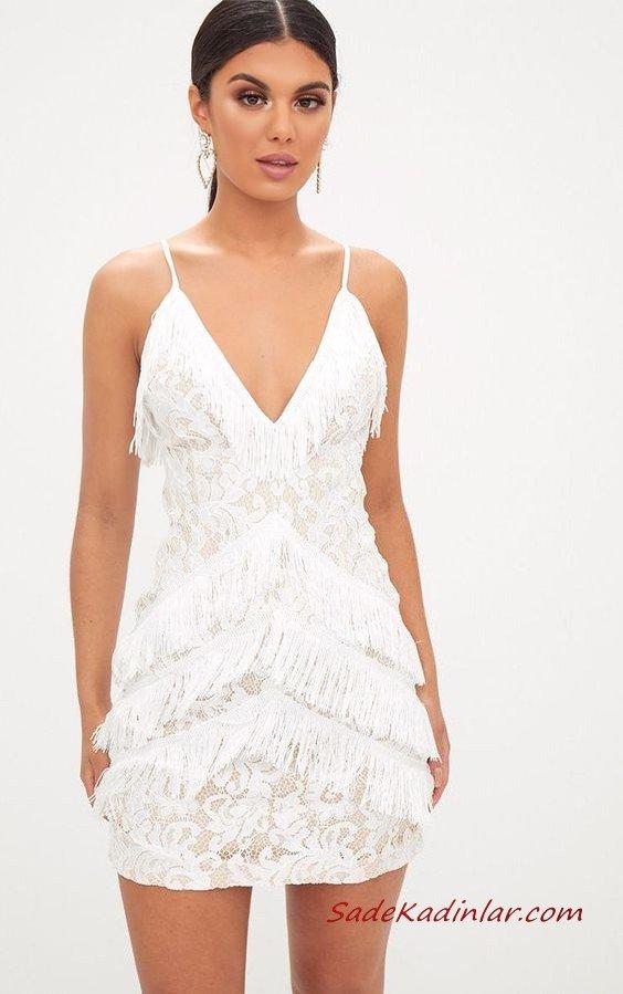 2020 Püsküllü Elbise Modelleri Beyaz Kısa İp Askılı V Yakalı Dante Detaylı Püsküllü