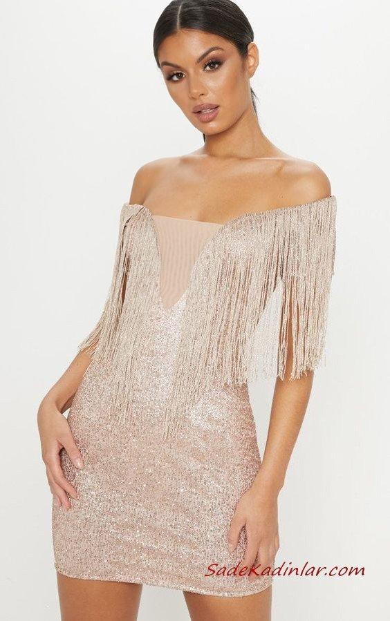 2020 Püsküllü Elbise Modelleri Krem Kısa Straplez Düşük Kol Parlak Kumaş Püsküllü