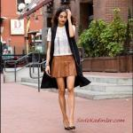 2019 Sokak Modası Taba Kısa Pileli Deri Etek Beyaz Kısa Kol Bluz Siyah Uzun Yelek Stiletto Ayakkabı
