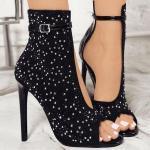 2019 Stiletto Ayakkabı Modelleri Siyah Önü Açık Taş Aksesuarlı Tokalı