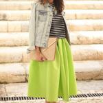2020 Dizaltı Midi Etek Kombinleri Yeşil Midi Kloş Etek Siyah Çizgili Bluz Mavi Kot Ceket Vizon Stiletto Ayakkabı